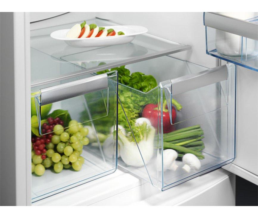 De Aeg S53420CNX2 koelkast RVS beschikt over twee vershoudlades, waar verser producten vers blijven