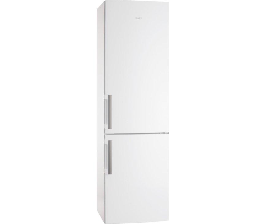 De buitenzijde van de Aeg S53830CNW2 koelkast wit