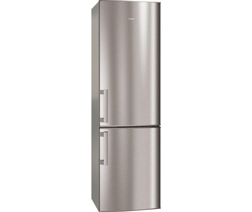De buitenzijde van de Aeg S53830CNX2 koelkast rvs