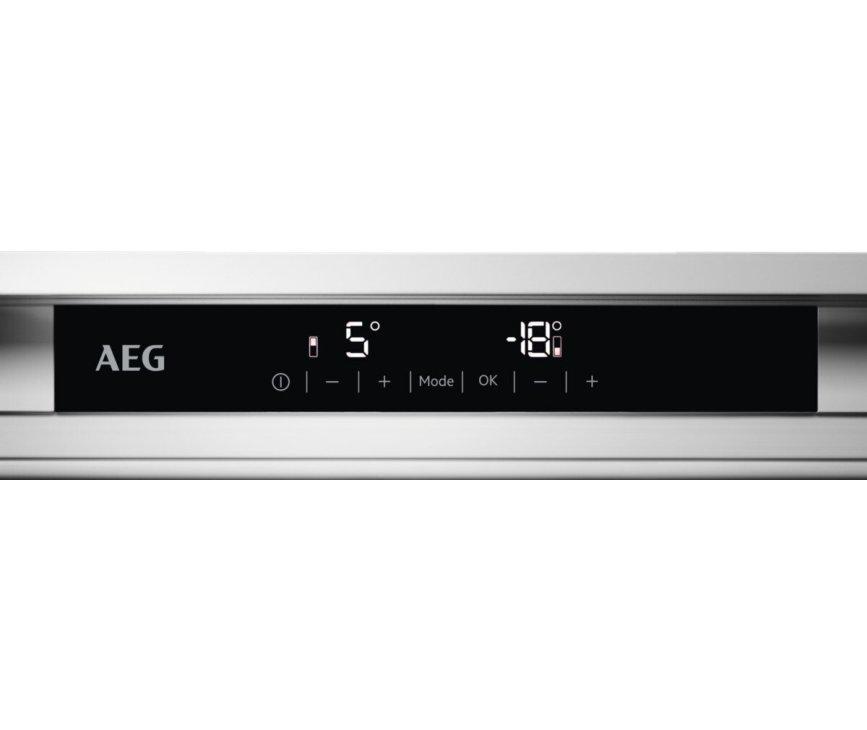 AEG SCE818E5TC inbouw koelkast - no-frost - nis 178 cm.
