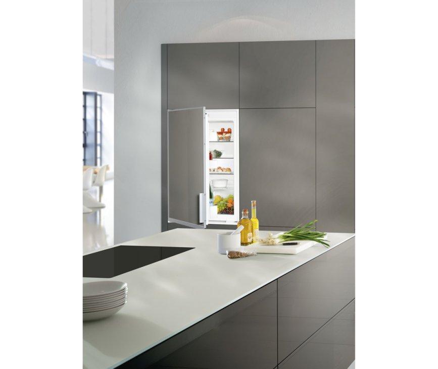 De Liebherr EK1620 inbouw koelkast is volledig te integreren in uw keuken