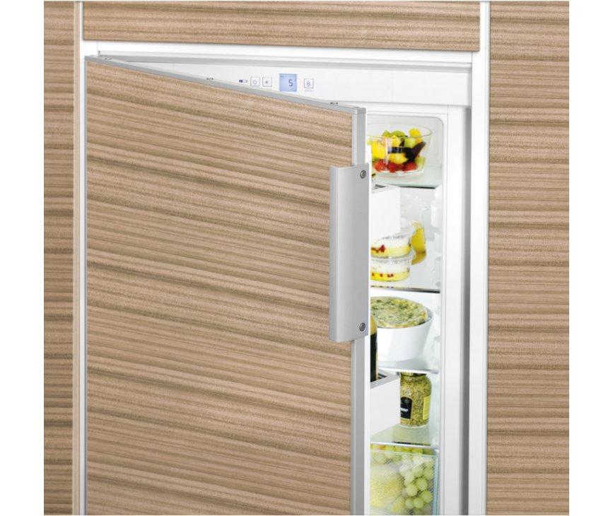 De Liebherr EK2320 inbouw koelkast is volledig te integreren in uw keuken