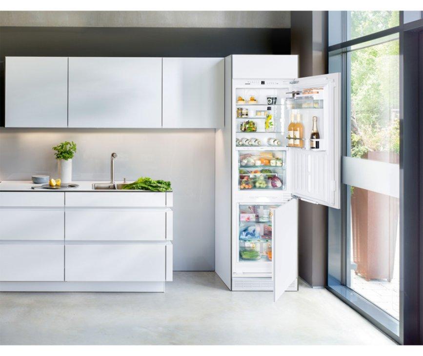 De Liebherr ICBN3376 inbouw koelkast is perfect te integreren in uw keuken