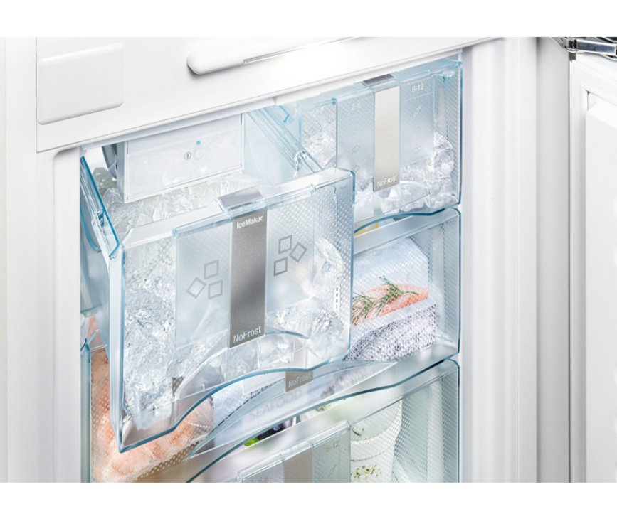 De Liebherr ICN3386 inbouw koelkast heeft een IceMaker