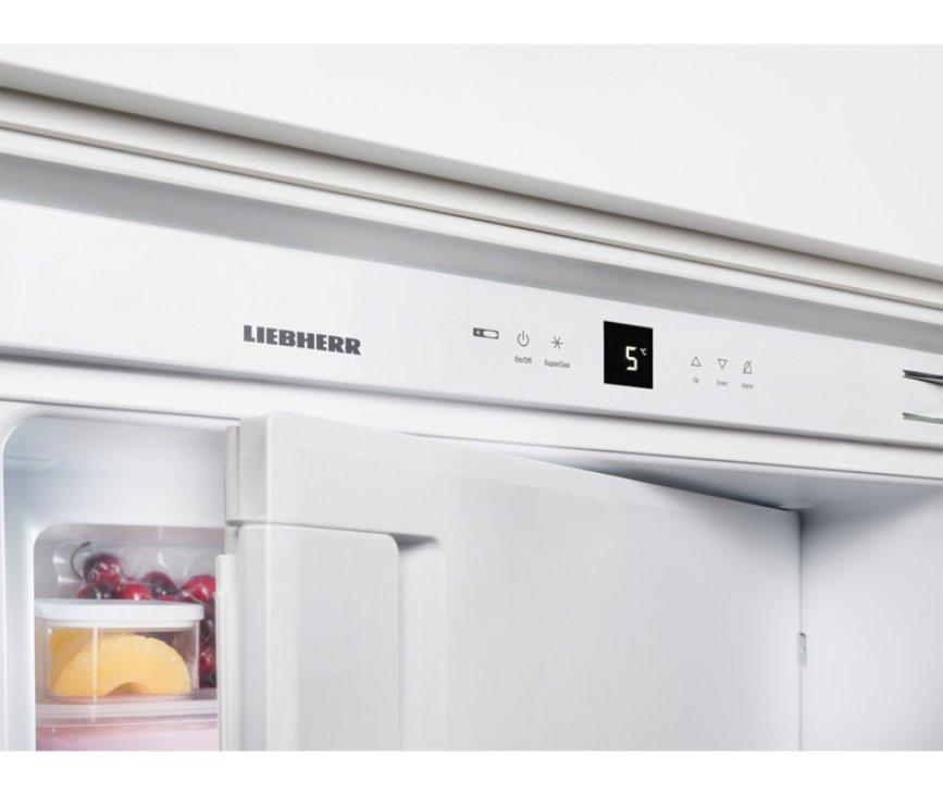 Handig is het display op het bedieningspaneel van de Liebherr IKP2364