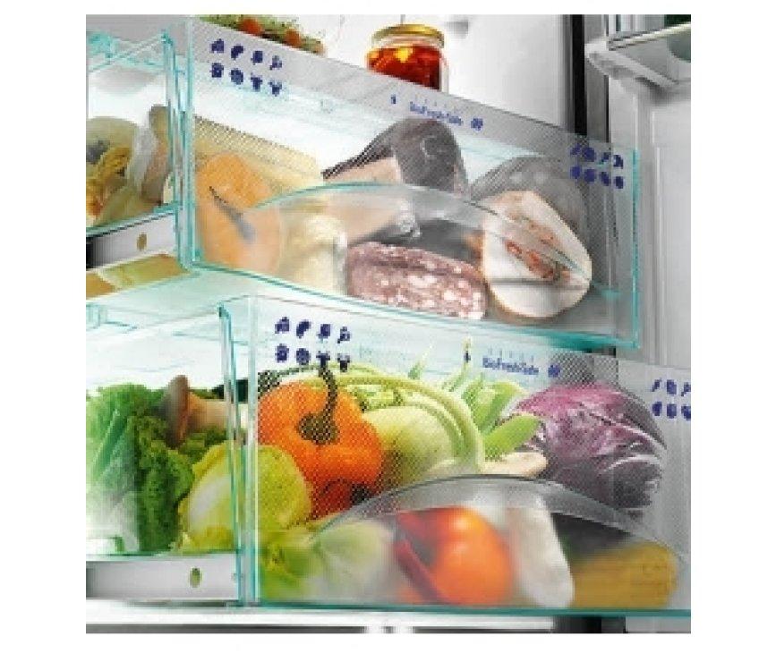 De KBes3660 beschikt over diverse biofresh lades voor het optimaal bewaren van groente en fruit