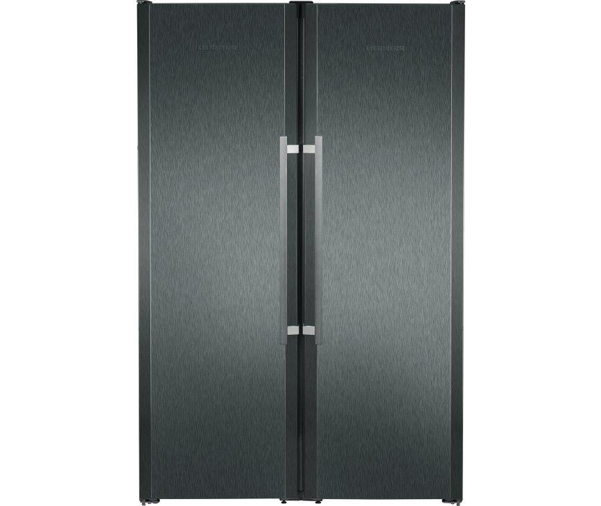 De buienzijde van de Liebher SBSbs7263 side-by-side koelkast
