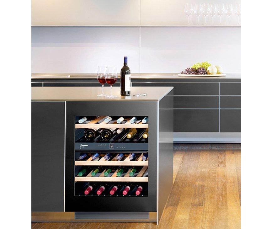 De Liebherr UWT1682 onderbouw wijnkoelkast biedt ruimte aan 34 flessen