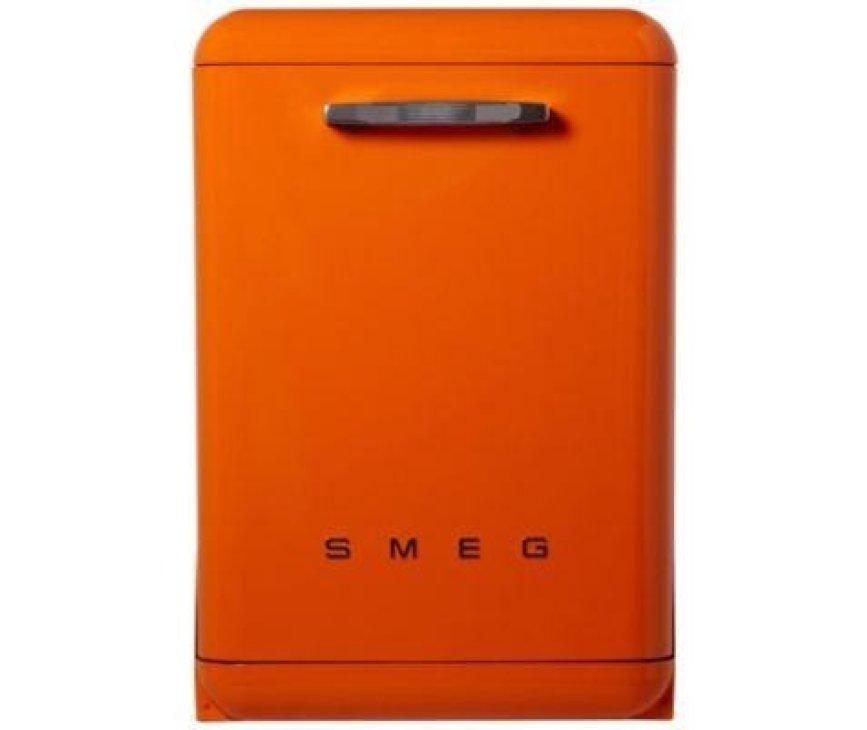 Fraaie retro design vaatwasser van SMEG uitgevoerd in de kleur oranje