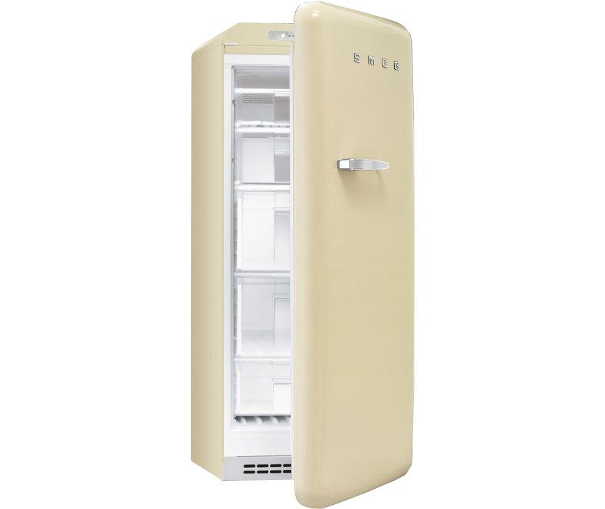 De Smeg CVB20RP1 heeft een big box lade voor het plaatsen van extra grote levensmiddellen.