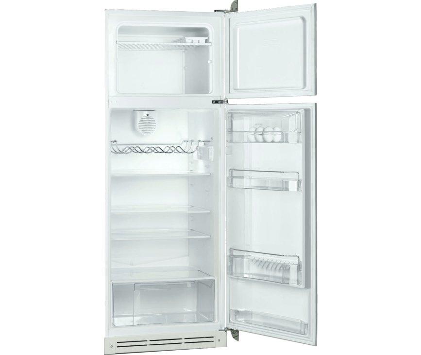 Foto van het interieur van de SMEG retro koelkast FAB30RBL1