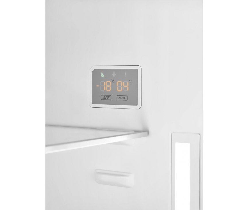 De Smeg FAB38LCR5 is voorzien van een digitaal display voor het instellen van de temperatuur