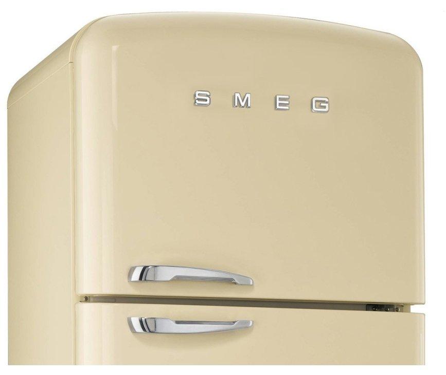 De Smeg FAB50P heeft een No-Frost vriesgedeelte aan de bovenzijde welke nooit meer ontdooit hoeft te worden.