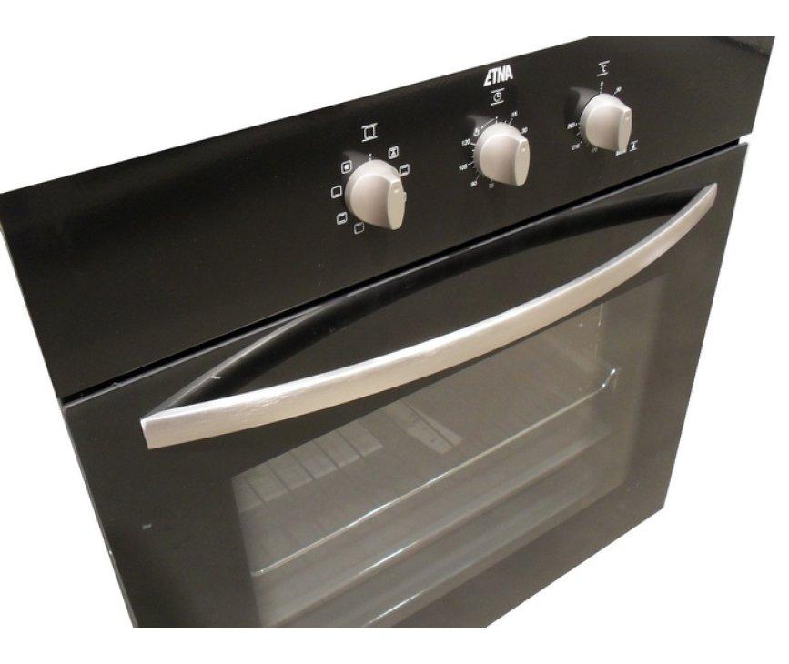 Zeer scherp geprijsde inbouw oven met een fraai design en goede kwaliteit