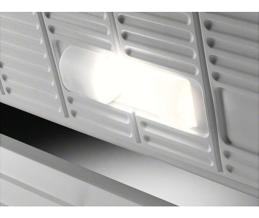 De Aeg A61900HLW0 vrieskist wit is voorzien van interieurverlichting