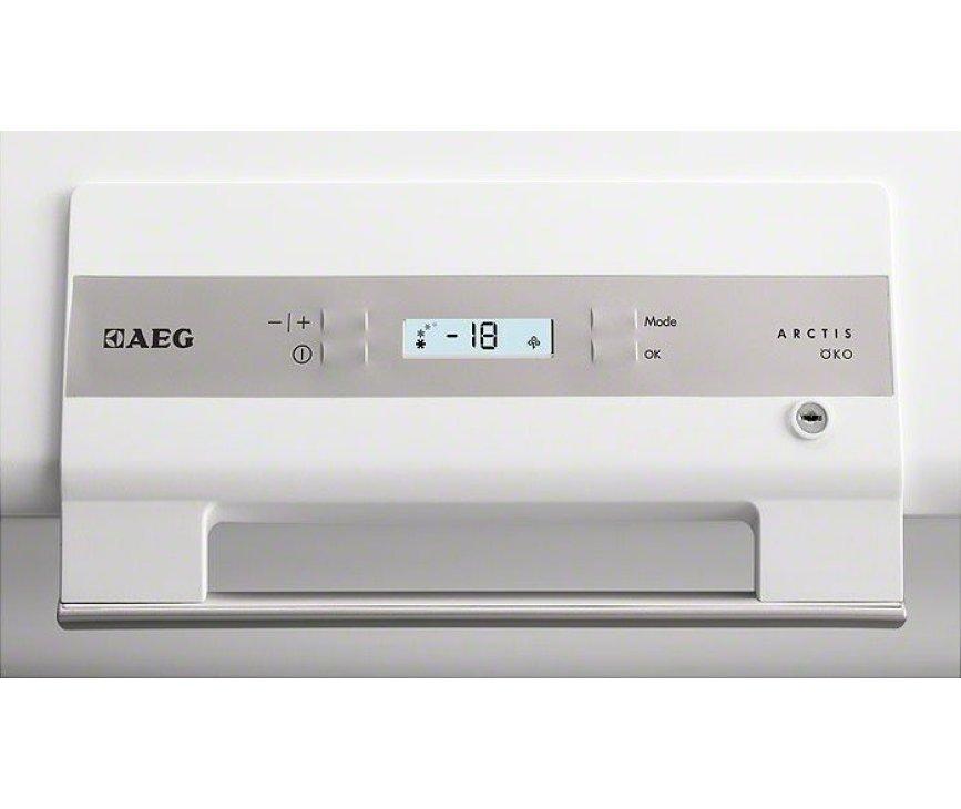 Het bedieningspaneel van de Aeg A83400HLW0 vrieskist wit