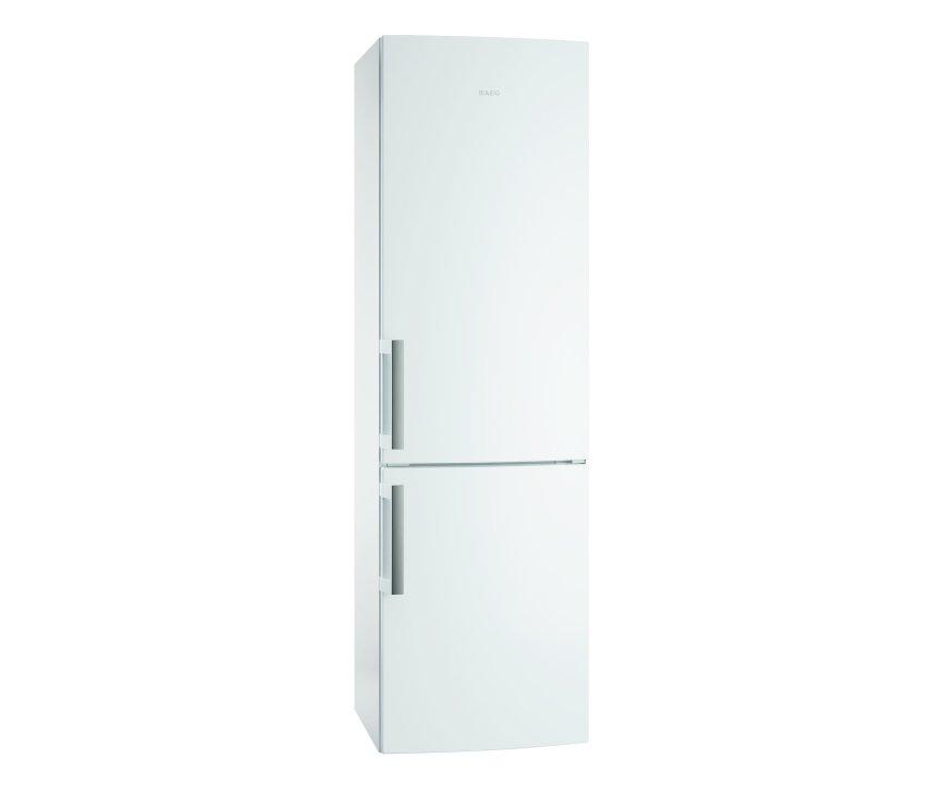 De buitenzijde van de Aeg S53820CTW2 koelkast wit