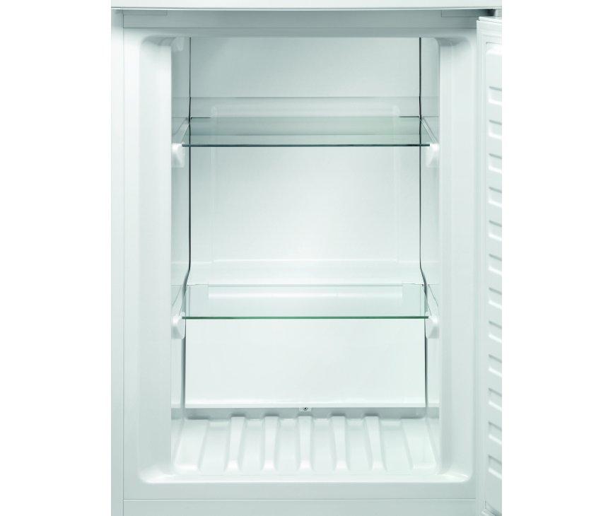 Het interieur van het vriesvak van de Aeg S53820CTW2 koelkast wit