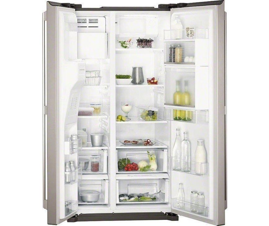 De buitenzijde van de Aeg S66090XNS1 koelkast side-by-side