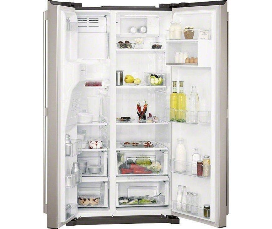 De Aeg S76090XNS1 koelkast side-by-side rvs heeft een totale netto inoud van 549 liter