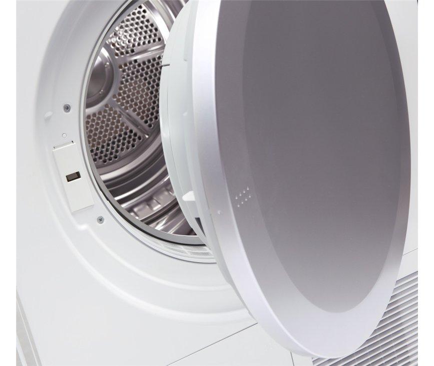 De Alluxe T421C condensdroger heeft een capaciteit van 7 kg en een trommel van 117 liter