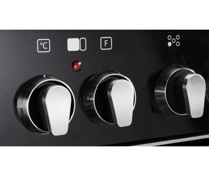 De bediening van de Boretti CFBG902AN/2 is eenvoudig met fraai vormgegeven knoppen