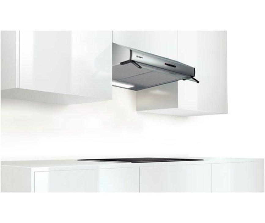 De Bosch DHU675U onderbouw afzuigkap kan direct onder een kast of aan de muur worden gemonteerd