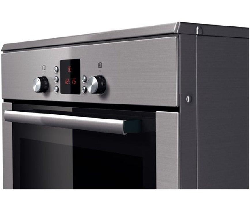 De oven van het Bosch HCE748453 fornuis RVS heeft een inhoud van 67 liter