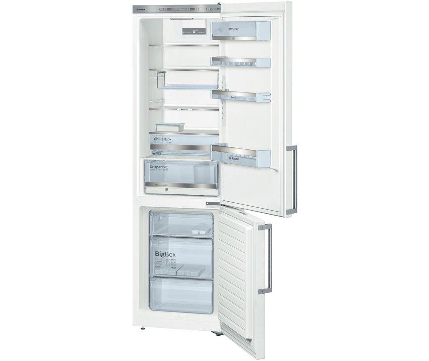 Het luxe interieur van de Bosch KGE39EW43 koelkast wit met ChillerBozen en VarioFreezing