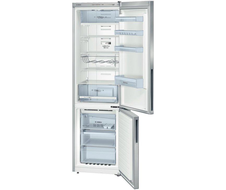 De binnenzijde van de Bosch KGN39VL31 koelkast RVS-look, uitgerust met oa. ChillerBox en flessenrek