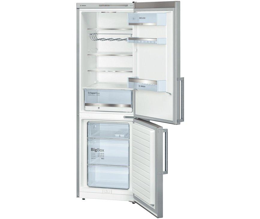 De binnenzijde van de Bosch KGV36EL30 koelkast rvs