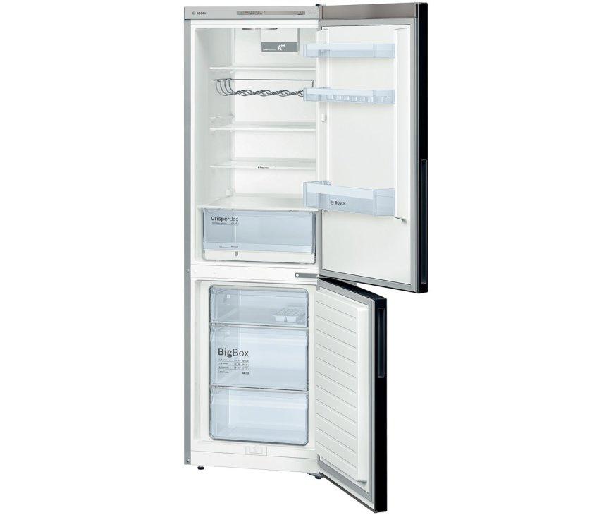 De binnenzijde van de Bosch KGV36VB32S koelkast zwart