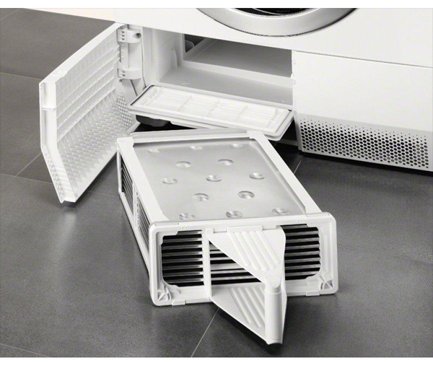 De condensator van de ELECTROLUX droger dient regelmatig gereinigd te worden