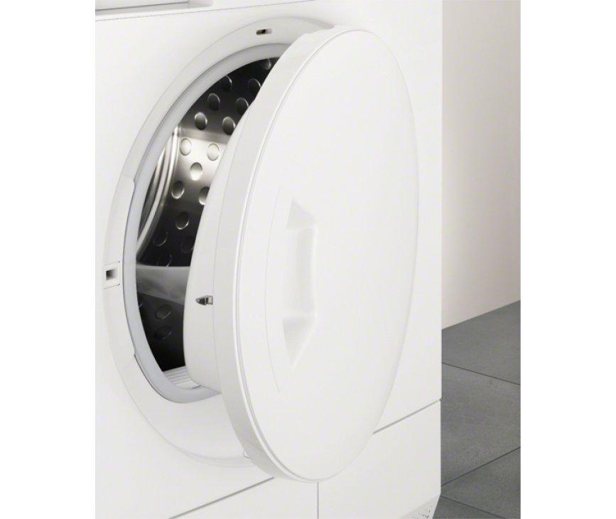 De ronde deur en het design van de droger past perfect bij de serie wasautomaten van electrolux