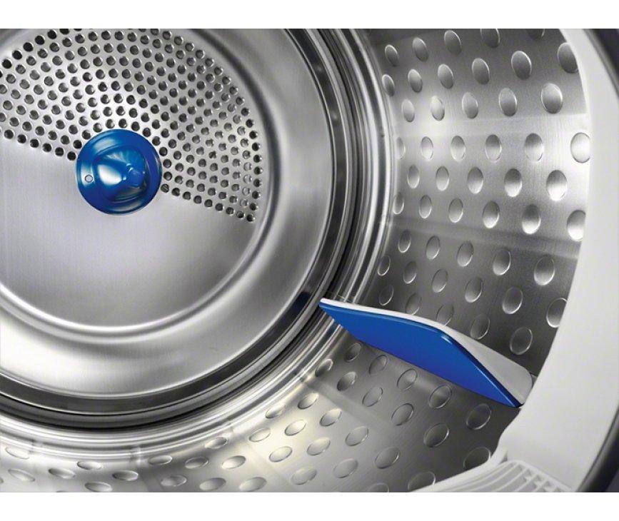 De Electrolux EDP2074PEW droger condens is uitgevoerd met een vernieuwde roestvrijstalen trommel
