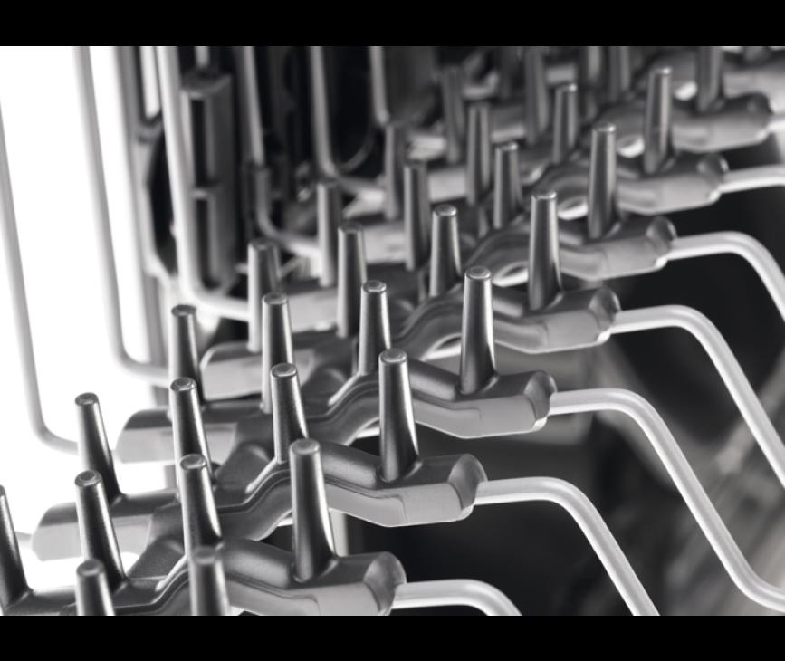 De Electrolux ESL5330LO inbouw vaatwasser is voorzien van rubberen spikes om uw glaswerk te beschermen