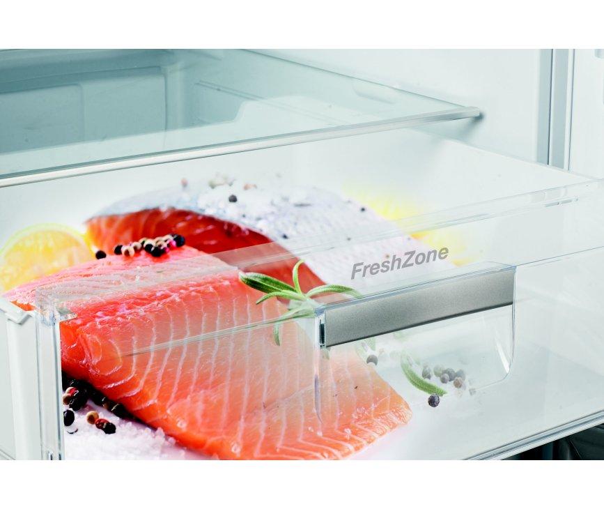 De FreshZone in de Gram KF 6406-90 FN X heeft telescopische geleiders en SoftClose sluiting