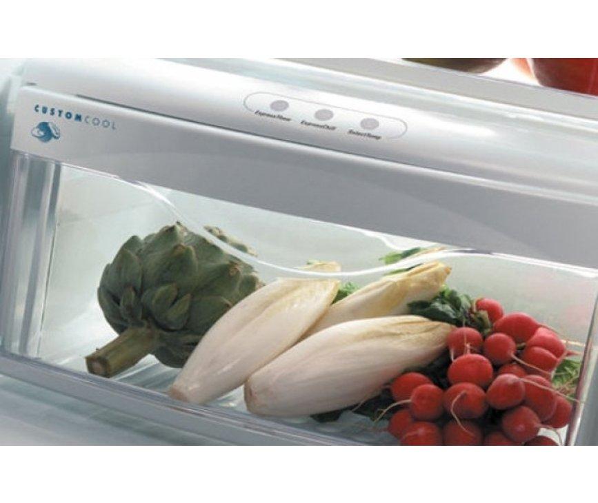 Praktisch is de CustomCool lade onderin het koelgedeelte. Hierin kan vlees en vis dankzij een temperatuur van 0 graden veel langer bewaard worden