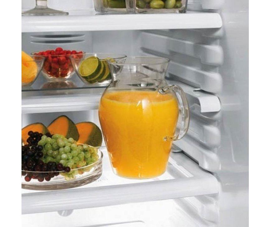 Het interieur in het koelgedeelte is zeer praktisch en kan versteld worden naar verschillende niveaus