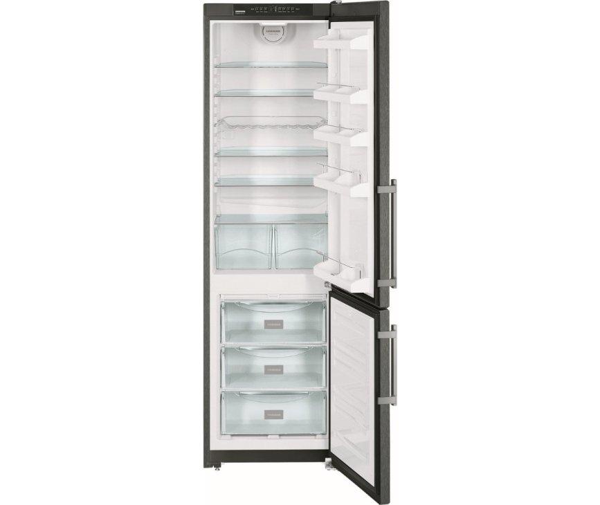 De Liebherr CNPbs4013 koelkast zwart is erg ruim met een totale inhoud van 281 liter