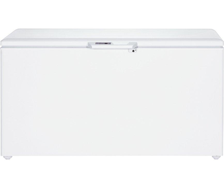 De Liebherr GTP4656 vrieskist wit is voorzien van kinderbeveiliging en een slot