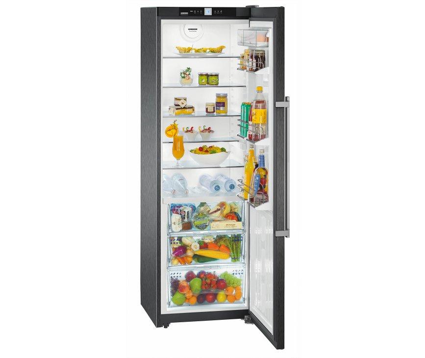De Liebherr KBbs4260 koelkast zwart heeft een netto inhoud van 358 liter, waarvan 116 liter BioFresh