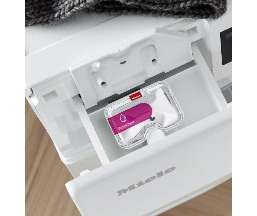 De WEF375WPS beschikt over CapDosing optie om wasmiddel welke u niet vaak gebruikt toe te voegen
