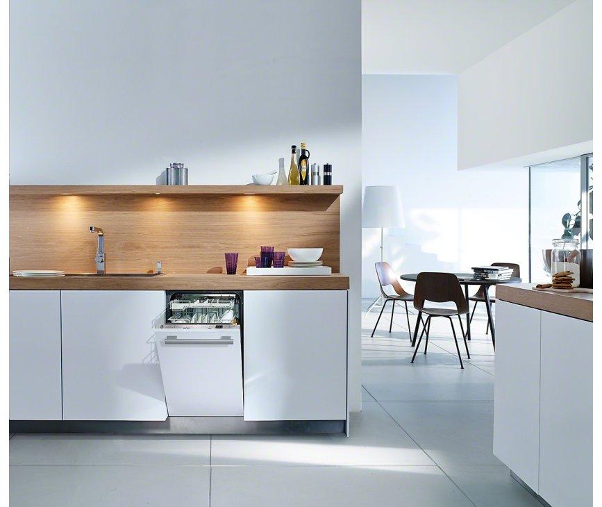 De Miele G4760 SCVi inbouw vaatwasser is door zijn smalheid makkelijk te integreren in de keuken