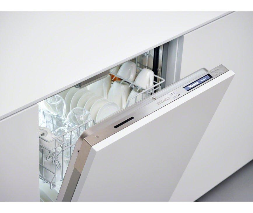 De Miele G6995 SCVi XXL K2O vaatwasser inbouw werkt met digitaal bedieningspaneel