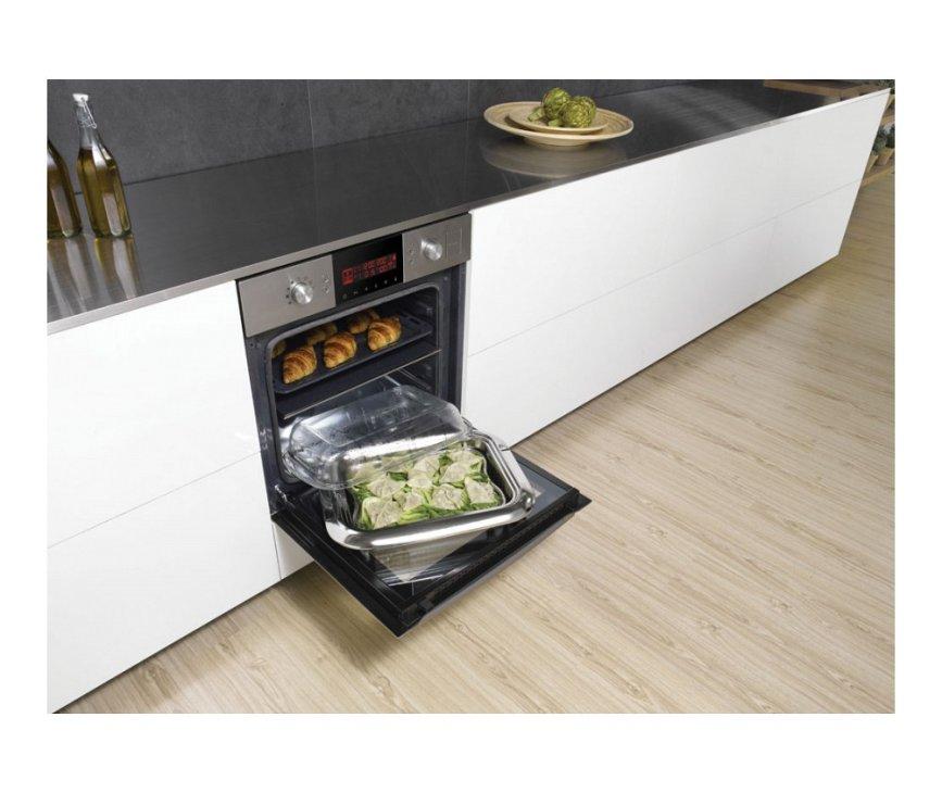 De SAMSUNG inbouw oven NV9785BJPSR wordt geleverd met lagedruk stoomschaal
