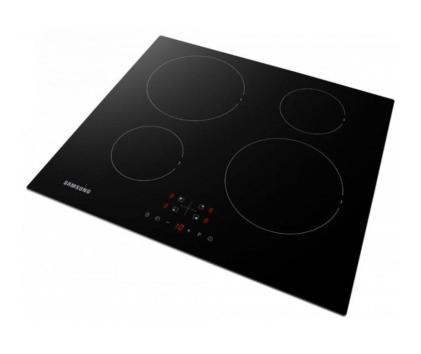 Tiptoets bediening op de SAMSUNG inductie kookplaat NZ64F3NM1AB