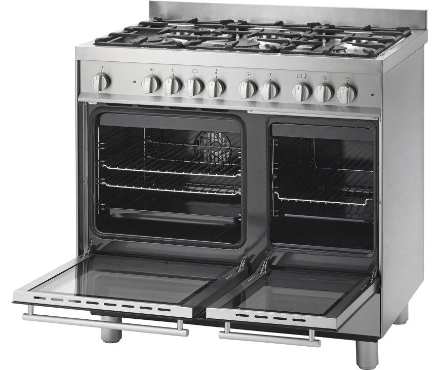 De Pelgrim NF942RVSA afgebeeld met dubbele geopende oven