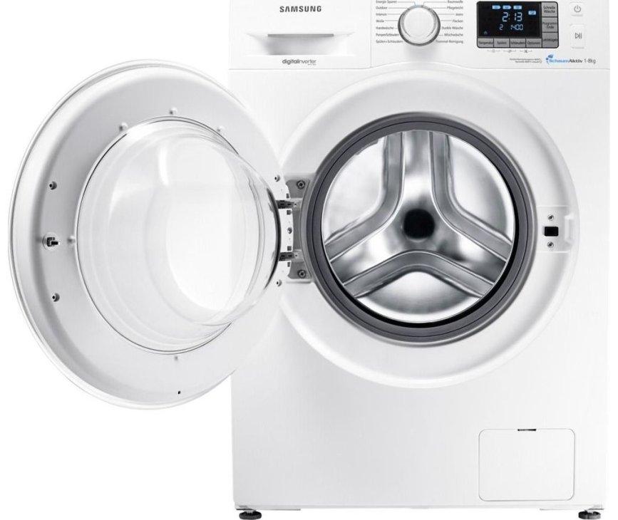 De Samsung WF70F5E5P4W wasmachine heeft een linksdraaiende deur