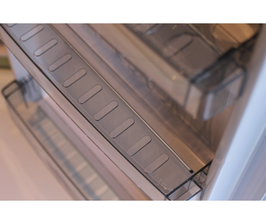 Foto van de binnendeur van de Schaub Lorenz TL55O-8632